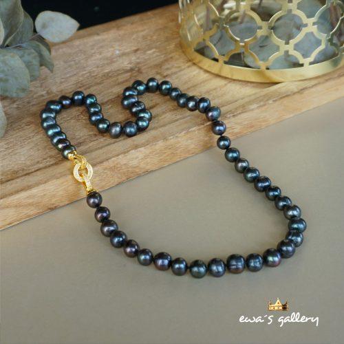 Luxusný náhrdelník z tmavých prírodných riečnych perál