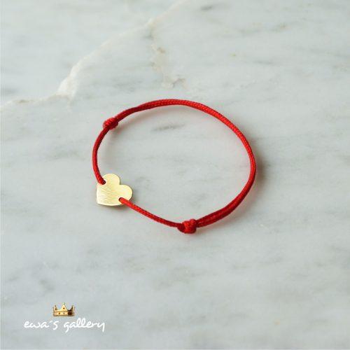 Luxusný červený náramok proti urieknutiu zo zlata a striebra so srdiečkom